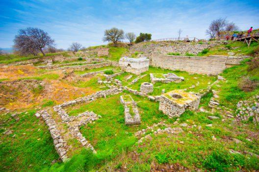 Ruinen von Troja (Bild: PIYA PALAPUNYA - shutterstock.com)