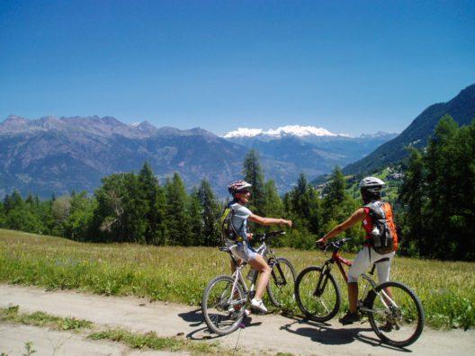 Radtour im Aostatal (Bild: © Fabrizio Charruaz)