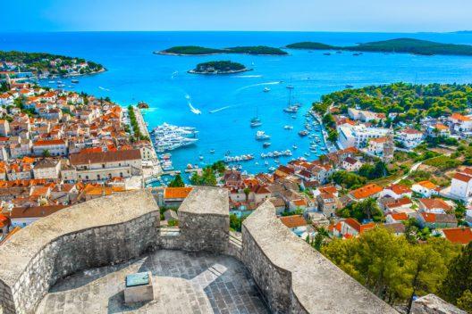 Kroatien, Hvar (Bild: Dreamer4787 - shutterstock.com)