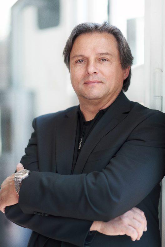 """MeisterSinger-CEO Manfred Brassler ist überzeugt: """"Hektiker sollten andere Uhren tragen."""""""