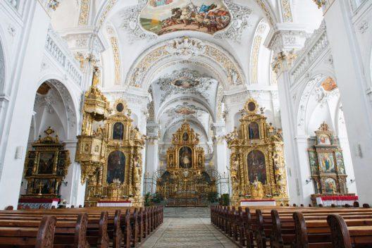 Kloster Disentis - Klosterkirche (Bild: Daniel Winkler)