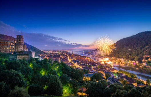 Die legendären Schlossbeleuchtungen locken drei Mal im Jahr tausende Besucher in die Stadt.