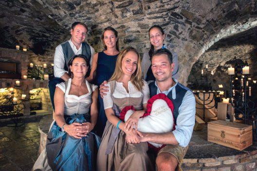 Gastgeberfamilie Seyrling mit Wolfgang, Laura, Linda, Cristina, Agnes und Alois (Bildquelle: Tourismus Lifestyle Verlag GmbH, Bern)