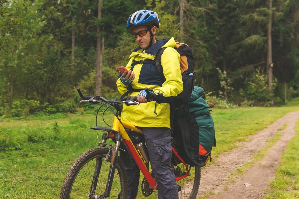Bikepacking - eine aufregende Art des Reisens (Bild: Evgeny Haritonov - shutterstock.com)