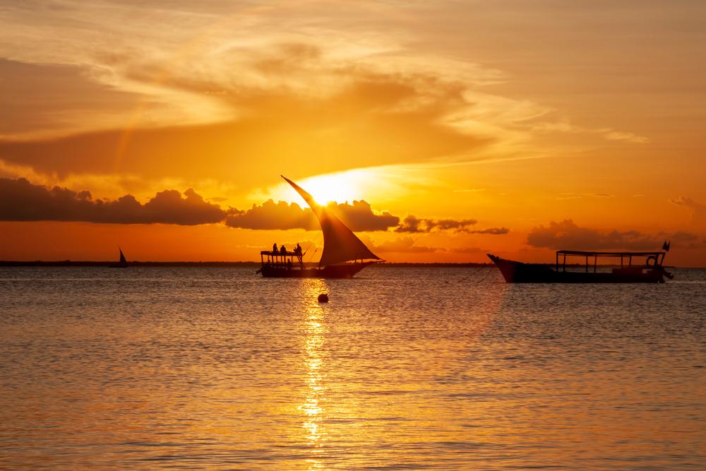 Sonnenuntergang am Kendwa Beach. (Bild: Searching For Satori - shutterstock)
