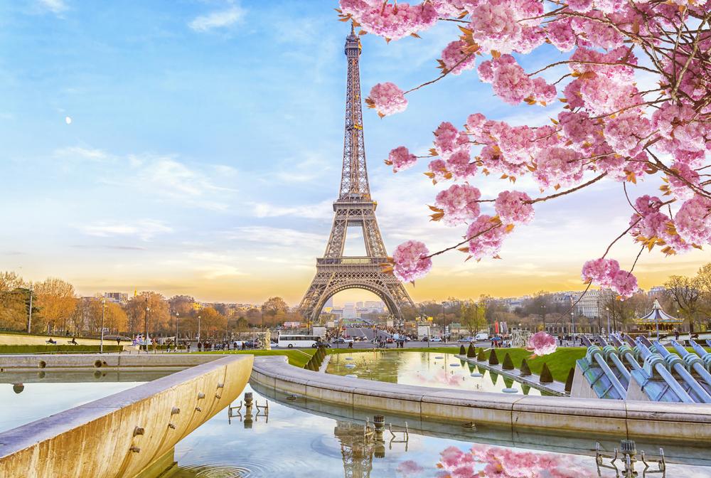 Der Eiffelturm im Frühjahr (Bild : MarinaD_37 - shutterstock)